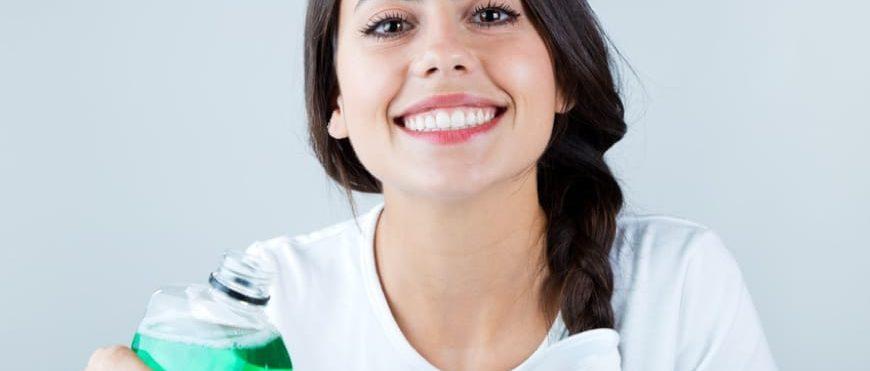 Colluttori alla Clorexidina: rischi ed effetti collaterali
